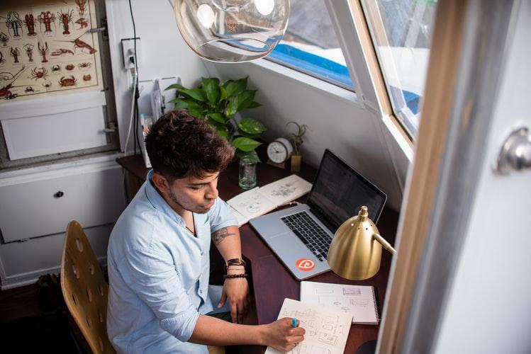 cara mendapatkan uang dari internet online freelancer